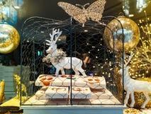Comida de la Navidad y decoraciones tradicionales de los juguetes Fotografía de archivo
