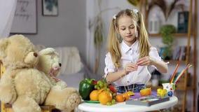 Comida decorativa de la fruta almacen de video