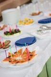 comida del abastecimiento en la tabla Fotos de archivo