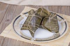 Comida del chino tradicional - bolas de masa hervida del arroz Foto de archivo