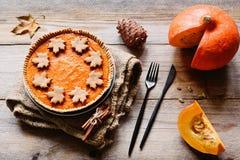 Comida del día de la acción de gracias del pastel de calabaza Foto de archivo