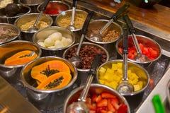 Comida del estilo de la comida fría en Maui Foto de archivo