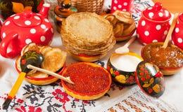Comida del festival de Maslenitsa foto de archivo libre de regalías