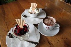 Comida del helado del café de la tabla Fotografía de archivo