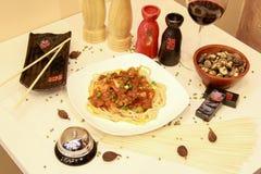 Comida deliciosa del cocinero chino Foto de archivo
