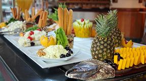 Comida fría de la comida en restaurante Imagen de archivo libre de regalías