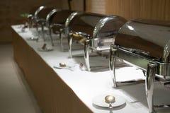 Comida fría de la comida en restaurante abastecimiento en el hotel para el banquete de boda b Foto de archivo libre de regalías