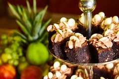 Comida fría de la torta para una fiesta de cumpleaños Imagen de archivo libre de regalías