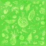 Comida, frutas y bayas dibujadas mano del garabato Objetos verdes claros, fondo inconsútil de la acuarela verde clara Imagenes de archivo