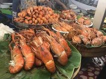 Comida grande de la calle de Tailandia Bangkok de la gamba del tigre imagen de archivo