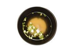 Comida japonesa, sopa de Miso en el fondo blanco Copie el espacio imagen de archivo