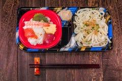 Comida japonesa Tekka Don y tallarines del udon, cocina japonesa Foto de archivo libre de regalías