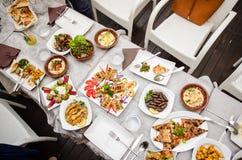 Comida libanesa en el restaurante Imagen de archivo libre de regalías