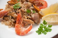 Comida lista del Paella con el camarón Imagen de archivo