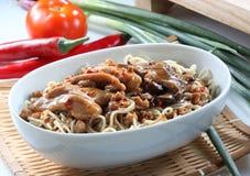 Comida Mein com vegetais imagens de stock royalty free