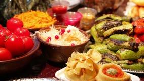 Comida para los turistas Cocina nacional almacen de metraje de vídeo