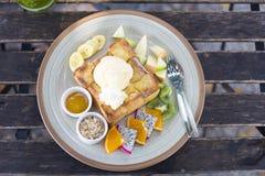 Comida popular de la tostada de la miel Imagen de archivo