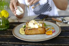 Comida popular de la tostada de la miel fotografía de archivo