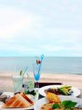 Comida por la playa Fotografía de archivo