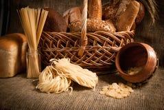 Comida sana con el pan, cereales Imagen de archivo