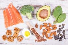 Comida sana fresca que contiene Omega 3 ácidos, minerales naturales y fibra dietética, concepto ácido de la dieta foto de archivo
