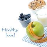 Comida sana, manzana, arándano, leche, muesli Imagenes de archivo