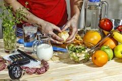 comida sana, nutrición apropiada dieta, tabla, mujer, el cocinar, fresco, forma de vida, ensalada, vegetariano, foto de archivo