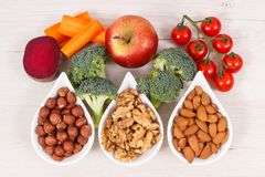 Comida sana para el poder mental y la buena memoria, minerales naturales que contienen de la consumición nutritiva foto de archivo