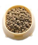 Comida seca para los animales domésticos en un bol grande Imagen de archivo libre de regalías