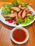 Comida tailandesa, cerdo asado a la parrilla Fotos de archivo libres de regalías