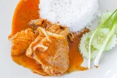 Comida tailandesa, curry del massaman del pollo con arroz imágenes de archivo libres de regalías