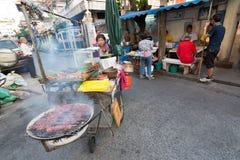 Comida tailandesa de la calle, carro del Bbq Imagen de archivo