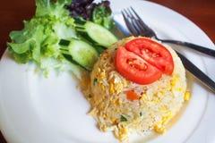 Comida tailandesa del estilo del arroz frito fotografía de archivo