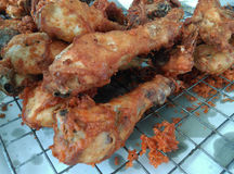 Comida tailandesa del pollo frito Imagen de archivo libre de regalías