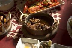 Comida tradicional árabe en el golfo Oriente Medio Imagen de archivo