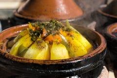 Comida tradicional de Tajine del marroquí Foto de archivo