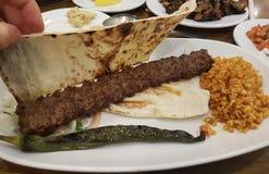 Comida turca en una placa foto de archivo