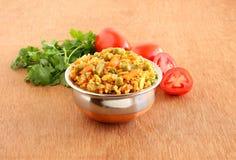 Comida vegetariana india del pilaf del arroz del tomate fotografía de archivo