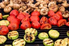 Comida vegetariana, verduras asadas a la parrilla Imágenes de archivo libres de regalías