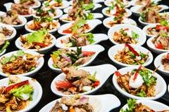 Comida y bebidas de lujo en la boda Fotografía de archivo libre de regalías