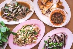 Comida y consumición en Tailandia del noreste Foto de archivo