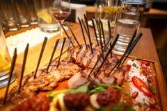 comidas del filete en la tabla en un restaurante Fotos de archivo libres de regalías