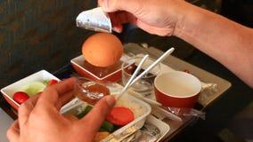 Comidas en el avión almacen de video