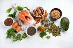 Comidas lo más arriba posible en Omega 3 ácidos grasos foto de archivo