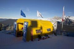 Comience el área durante el mundo Ski Men Ita Downhill Race Imagenes de archivo