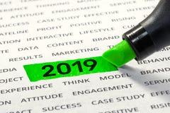 Comience el negocio para las ideas de los conceptos del Año Nuevo 2019 con el highlighter imagen de archivo libre de regalías