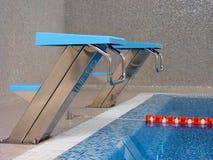 Comience la línea en piscina Foto de archivo