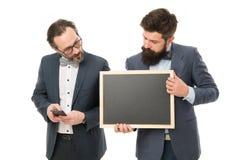 Comience para arriba el proyecto del negocio Proyecto de lanzamiento del negocio Los hombres que los individuos barbudos llevan l foto de archivo