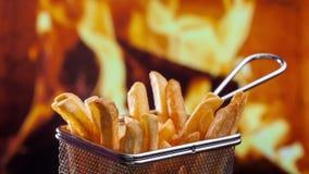 Comiendo las patatas fritas - pare la animación del movimiento almacen de video