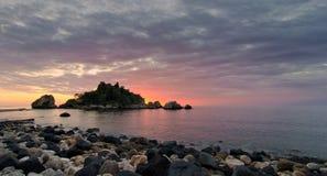Comienza el día la isla Fotografía de archivo